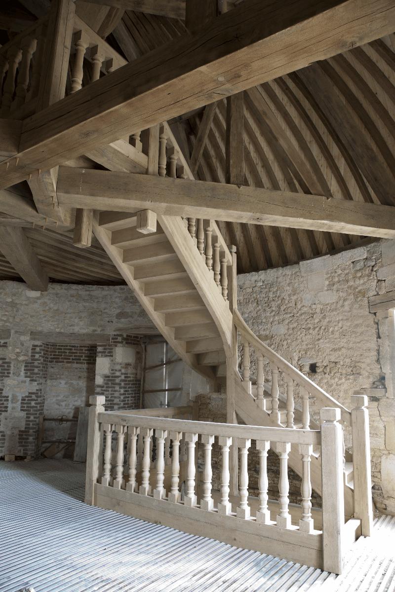 profilés LEWIS® - réhabilitation du pigeonnier du Château de Médavy (61) en logement