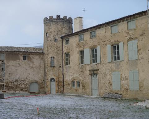 profilés LEWIS® - Château en Ardèche