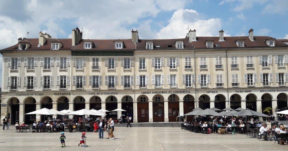 Bâtiment réhabilité en logements à Saint Germain en Laye