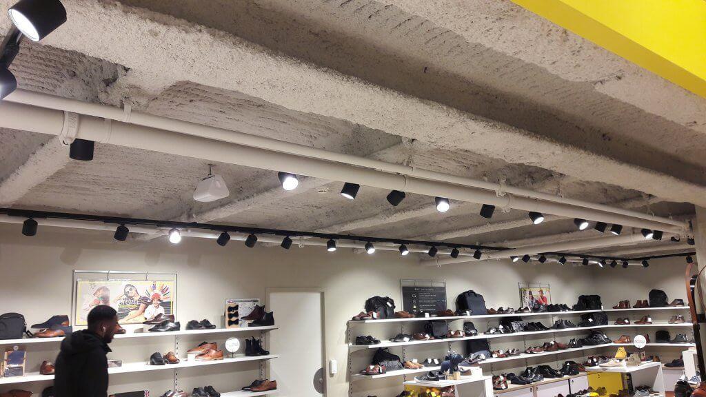 Profilés LEWIS pour des travaux dans un centre commercial